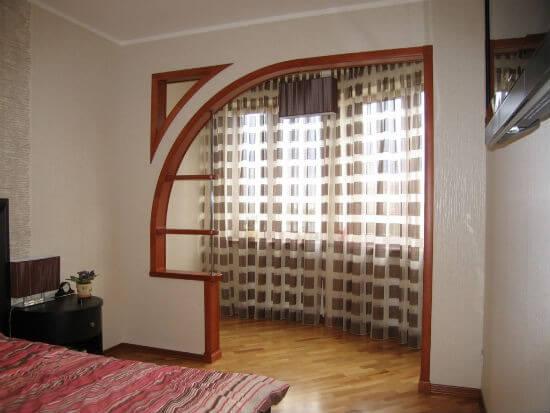 арка вместо двери на балкон