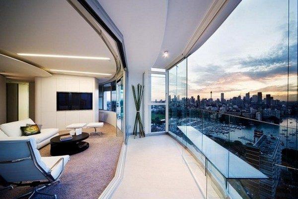 хай-тек на балконе