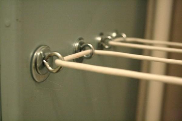 крепление для бельевых веревок на балконе