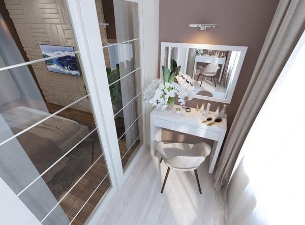 туалетный столик на балконе