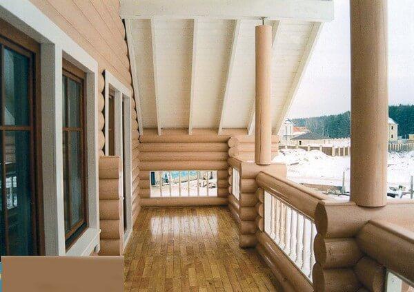 ограждение балкона из бруса